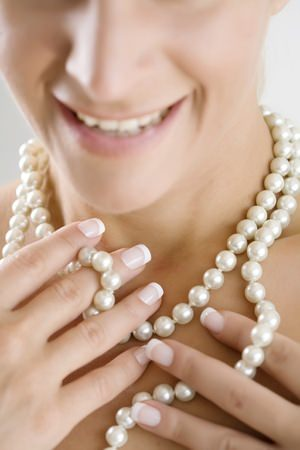 Image result for The best pearl-wearing tricks used in fashion