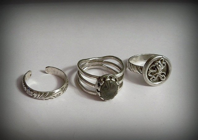 The history of wedding rings: signet rings