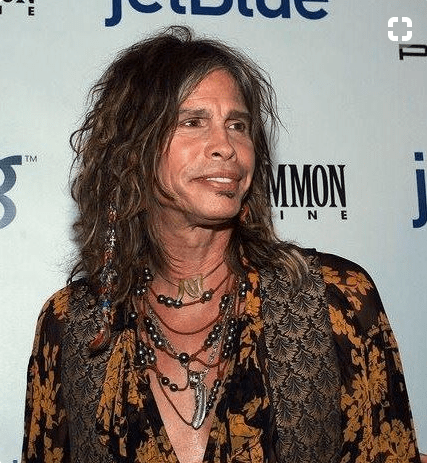 Steven Tyler of Aerosmith Wearing Pearls... Because Real Men Wear Pearls Too!