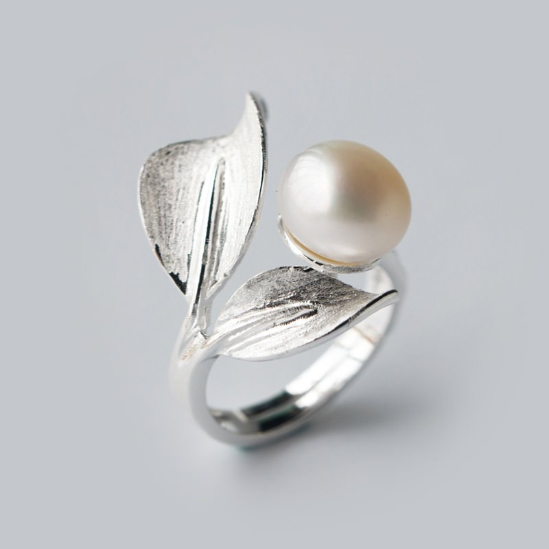 The Pearl Source creates personalized pearl rings just for you.