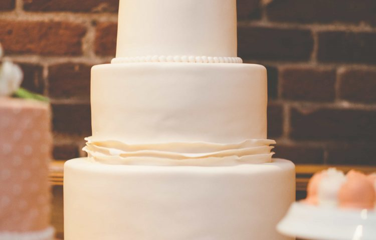 Make Your Own Wedding Cakes.15 Hot Wedding Cake Trends You Can Customize To Make Your Own