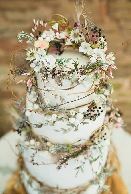 Wedding Cake Trends: Rustic Wedding Cake