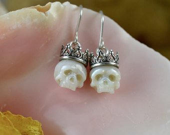 Halloween Wedding Jewelry Ideas: Handcrafted Skull Pearl Stud Earrings