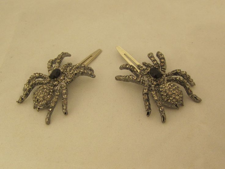 Halloween Wedding Jewelry Ideas: Spider Hair Pins