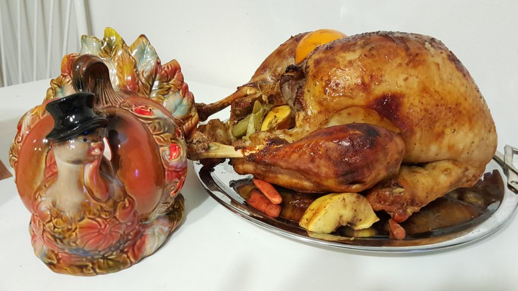 Quick & Easy Hacks for Thanksgiving Dinner: Slow Cook Turkey Overnight