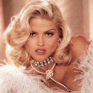 Anna Nicole Smith in Diamonds & Pearls