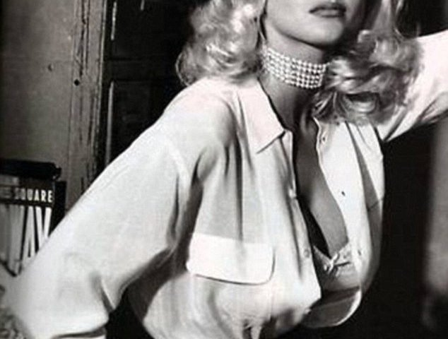 Anna Nicole Smith Sporting a Pearl Choker in a GUESS campaign ad.