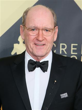 Richard Jenkins wore a pearl & Time's Up pin to the SAG Awards.
