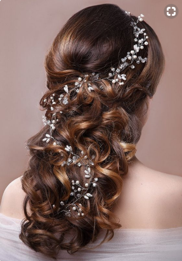 This Wedding-Ready Pearl Headpiece can be worn even on a casual day.