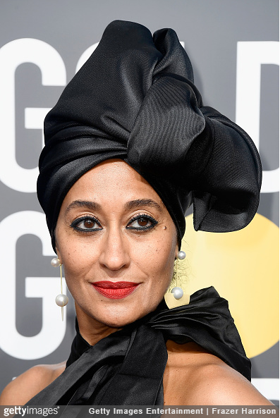 Tracee Ellis Ross wearing gold and pearl earrings at the 2018 Golden Globe awards.