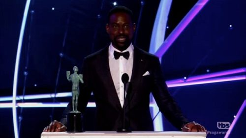 Sterling K. Brown wore a pearl pin to the SAG Awards.