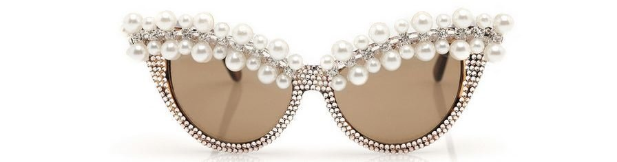 Check out these chic pearl glasses.