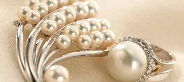 48be403349dc4 How Much Are Pearls Worth? Get to Know Their Value - Pearls of Wisdom