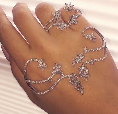 Tips to Help You Choose the Right Accessories for Prom ...