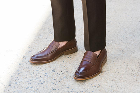 a74201daa Penny loafers without socks: In the 80s, it was customary for men to wear  penny loafers and moccasins without socks.