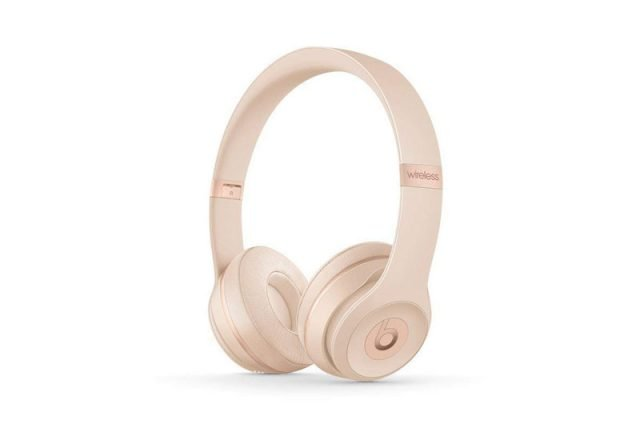 Solo3 Wireless On Ear Headphones in Matte Gold