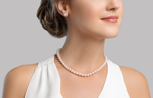Japanese Akoya Pearl Necklace & Earrings