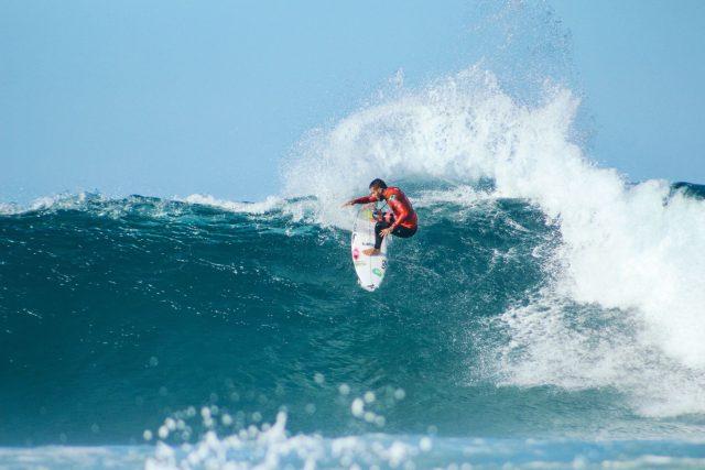 Surfing Jbay